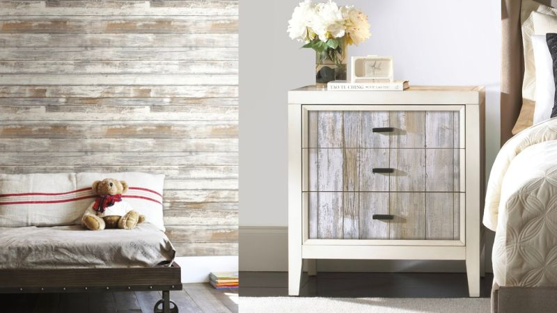 Stick On Some Distressed Wood Wallpaper por solo $ 21