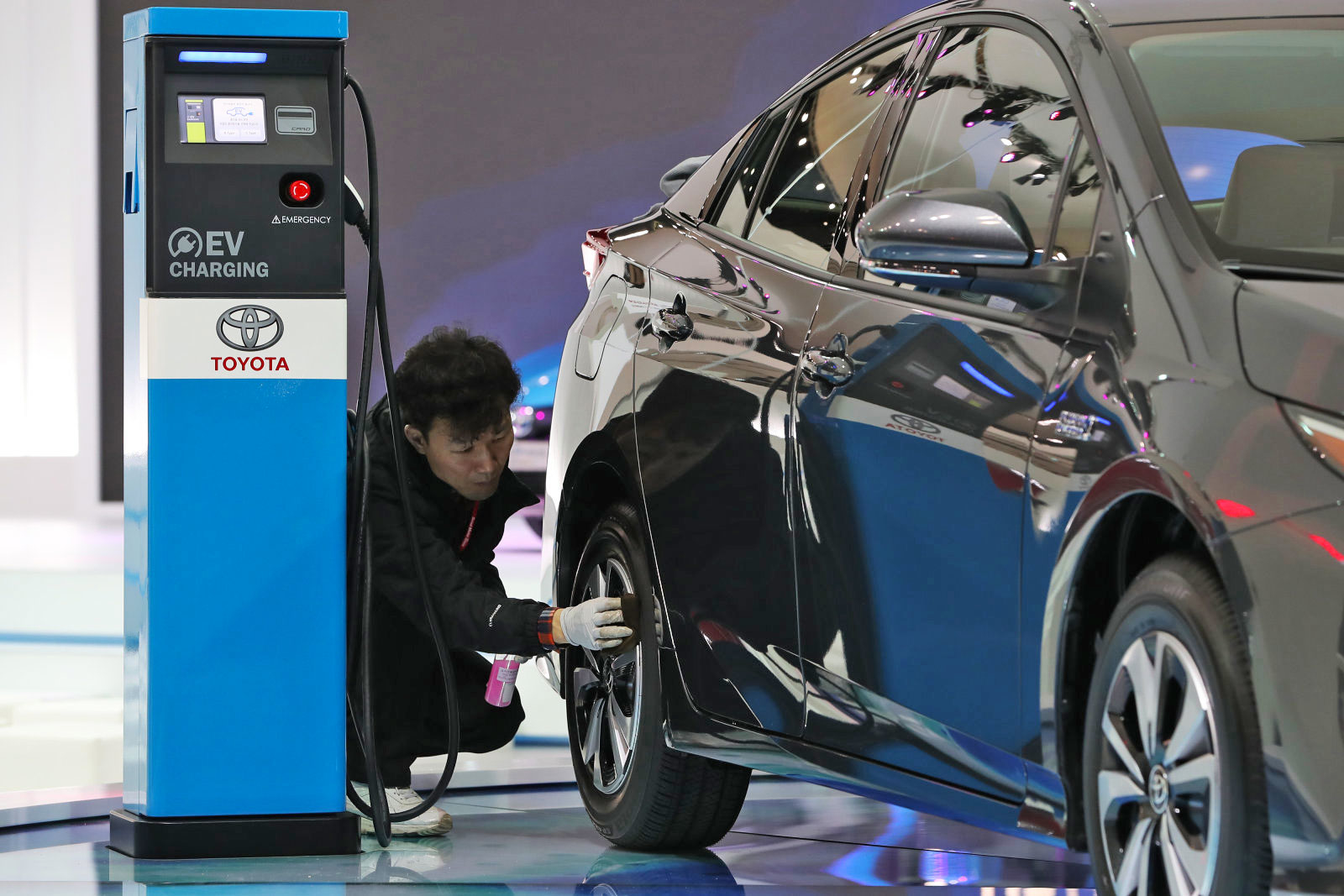 Toyota planea comenzar a vender vehículos eléctricos en China en 2020. Después de quedarse con los híbridos y el hidrógeno, se está volviendo grande en electricidad.