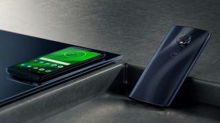Moto G6 Plus vs Moto G5S Plus: un enfrentamiento telefónico económico de tamaño más grande. ¿Qué Plus gana?