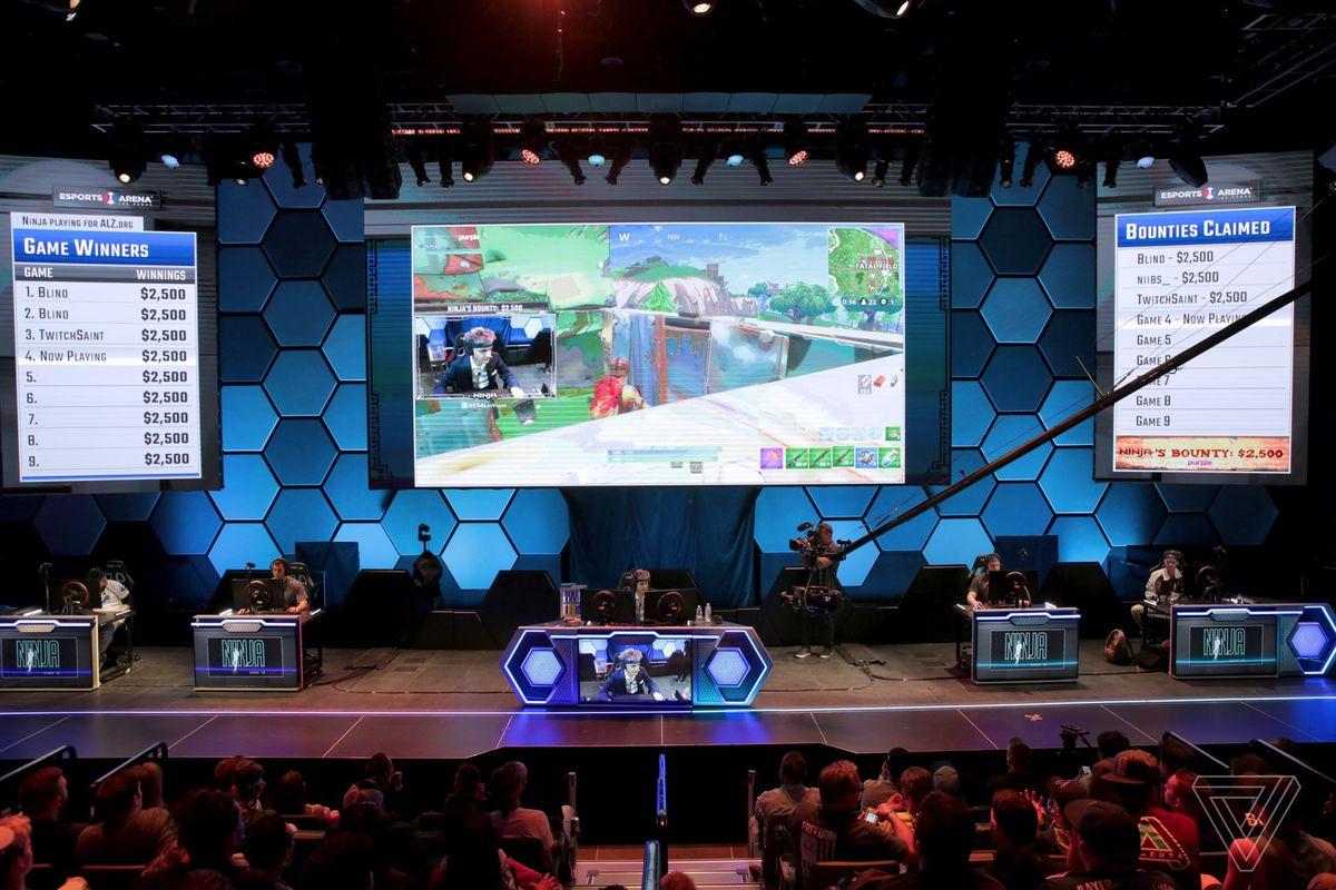 Aquí están los 4 mejores momentos del primer torneo de deportes electrónicos de Fortnite grande. Vegas de Ninja 18 ponen el streamer de contracción superior con más de 230 jugadores de todo el país