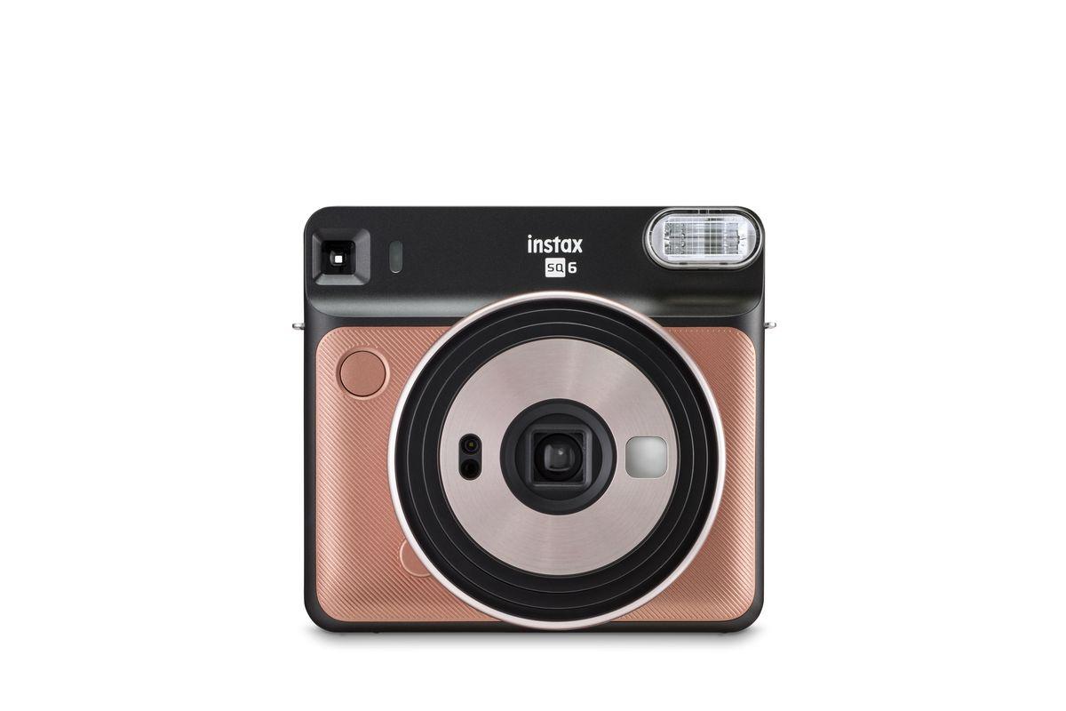 Fujifilm hace su primera cámara analógica de Instax formato siempre cuadrado