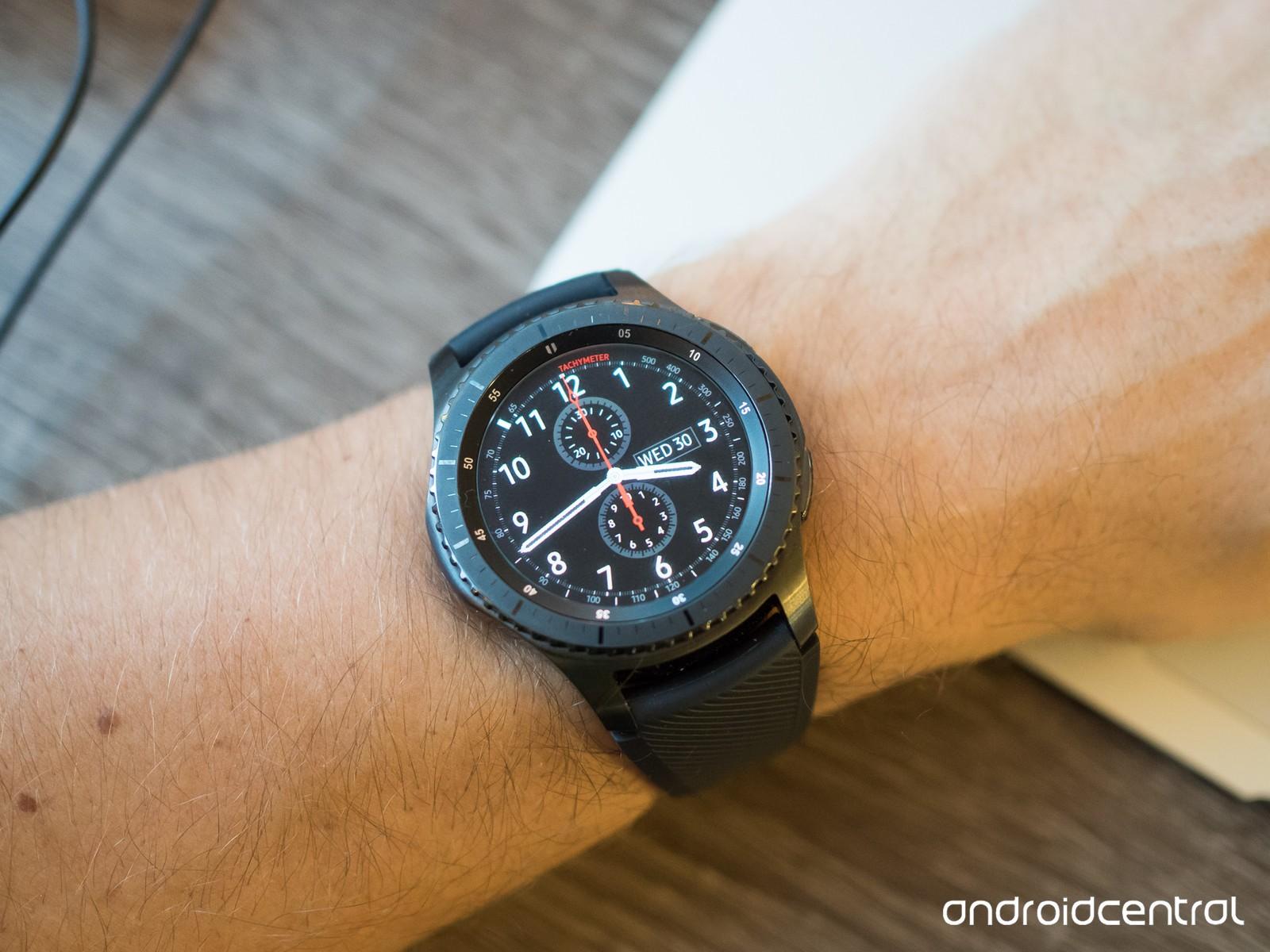 Samsung equipo S4 smartwatch puede usar OS lleve, no Tizen. Si es cierto, esto podría ser una gran victoria para Google.