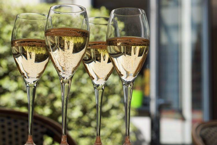 Delivinos Urban Gourmet enseña las claves para maridar cava y champagne correctamente