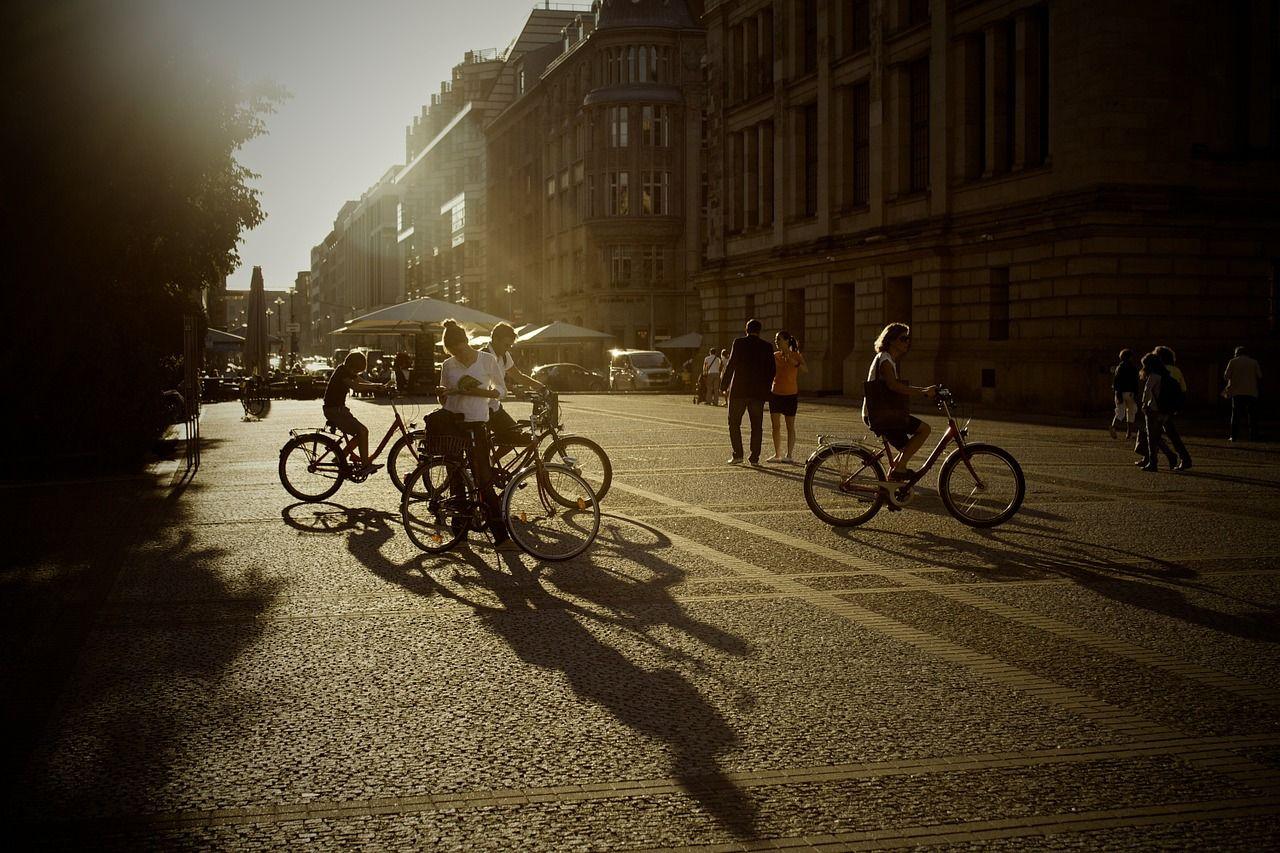 Más de 50 ciudades españolas se preparan para el incremento del uso de la bicicleta y el patinete eléctrico