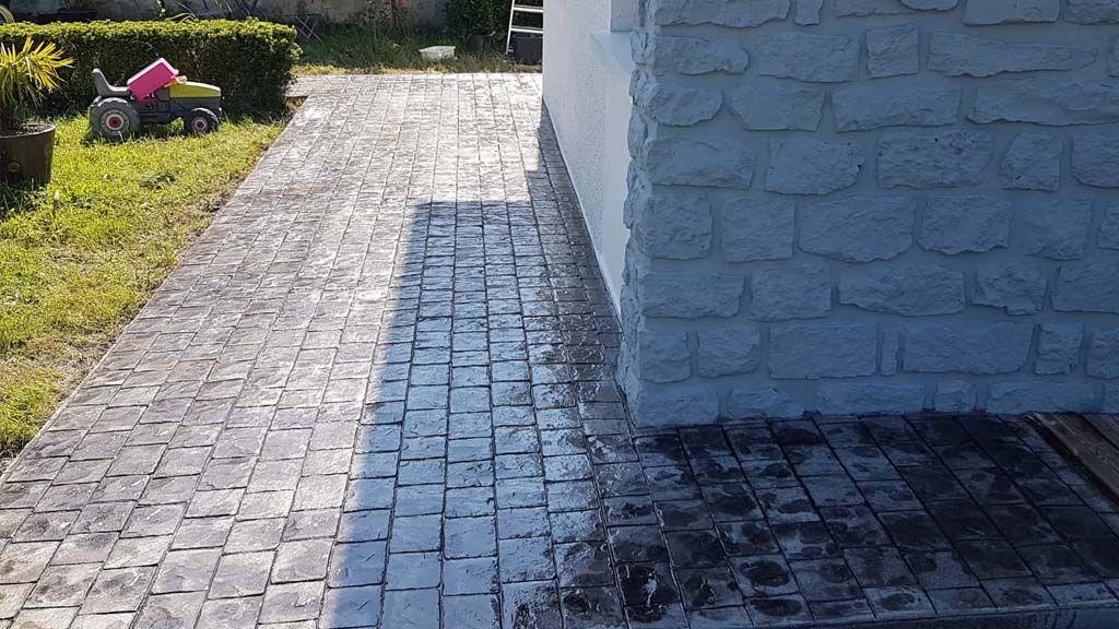 General Pavimentos presenta usos del hormigón impreso en decoración de exteriores