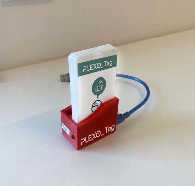 Plexus Tech desarrolla la primera tarjeta tecnológica para rastreo de COVID para los colegios