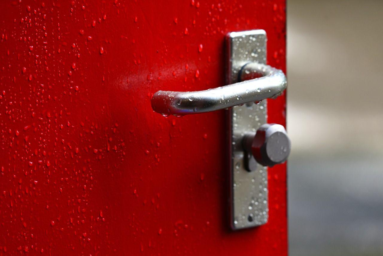 Cerrajeros Económicos Alicante: Elementos a instalar en casa para evitar robos