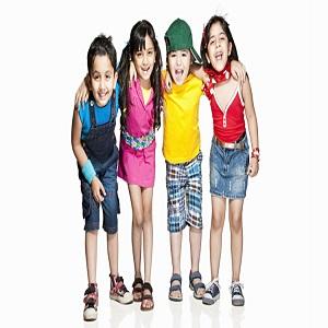 Los niños usan el mercado creciente demanda con los principales jugadores- Disney, Benetton, Gymboree, Adidas, H&M