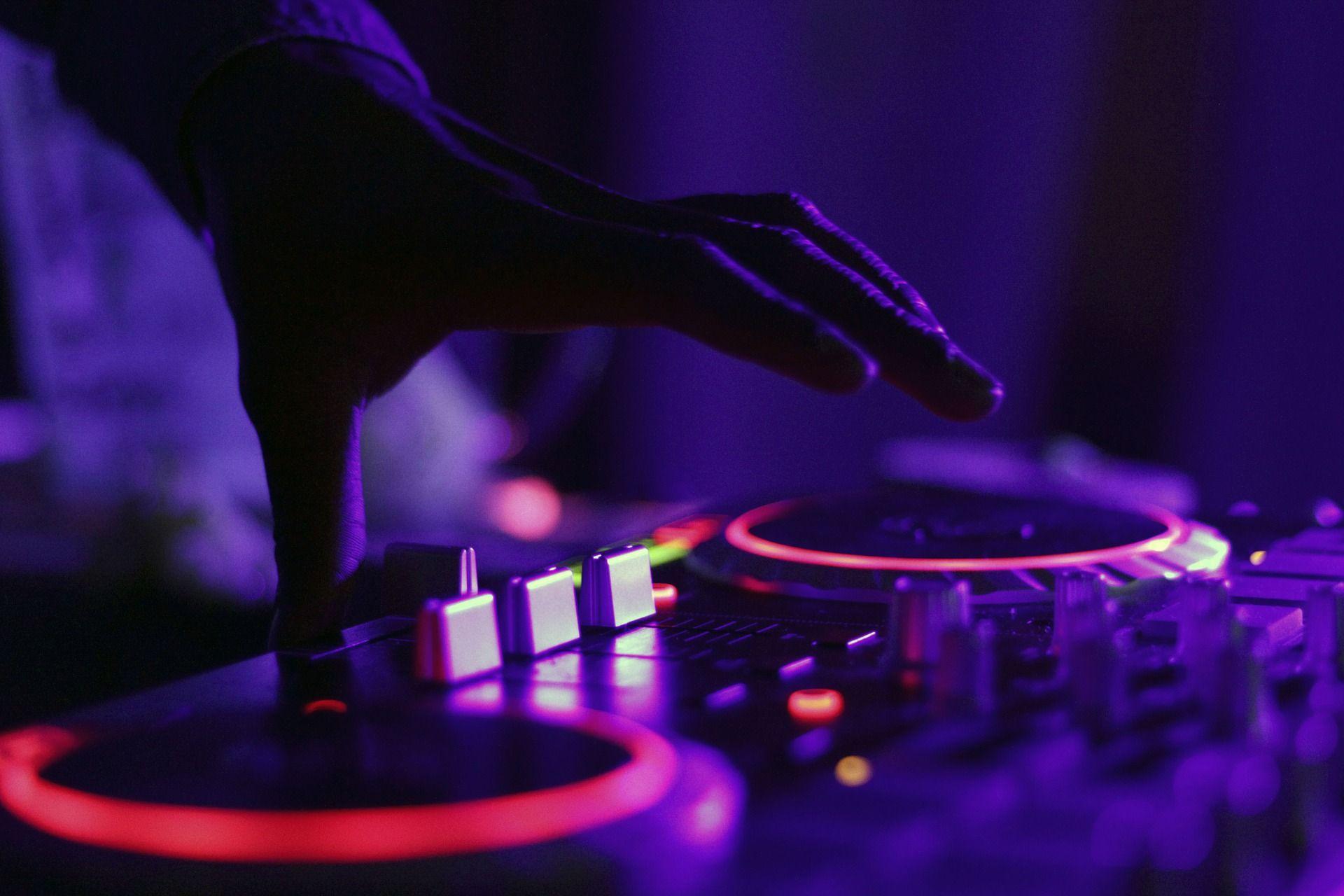 Ismael Rivas, DJ Profesional y su nuevo formato digital de enseñanza: Máster DJ Pro