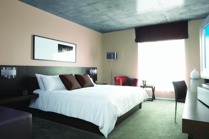 Schneider Electric y SIRT lanzan una solución para conectar hotel y huéspedes a través de la TV